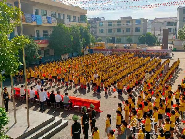 梅港乡:党史教育进校园 红色基因代代传